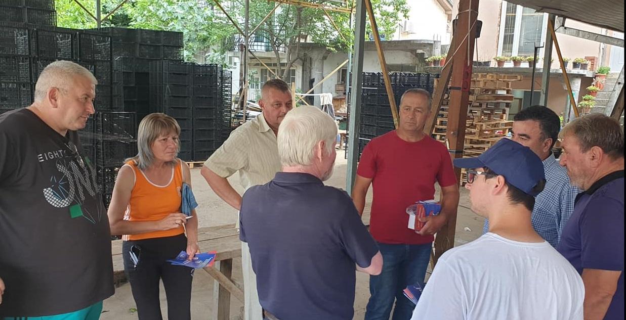Бачев во Росоман: Воведуваме министерство за село, обезбеден пласман на праските на рускиот пазар